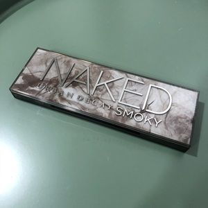 NEW Urban Decay Naked Smoky Palette